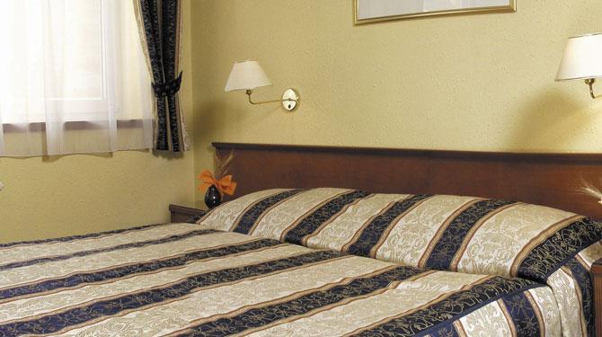 Posto auto gratis - Offerte speciali | Hotel Arbes Praga ***